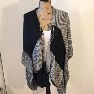 Chico's Zenergy One Size Cardigan in Black & White
